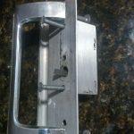 identify a sliding door handle